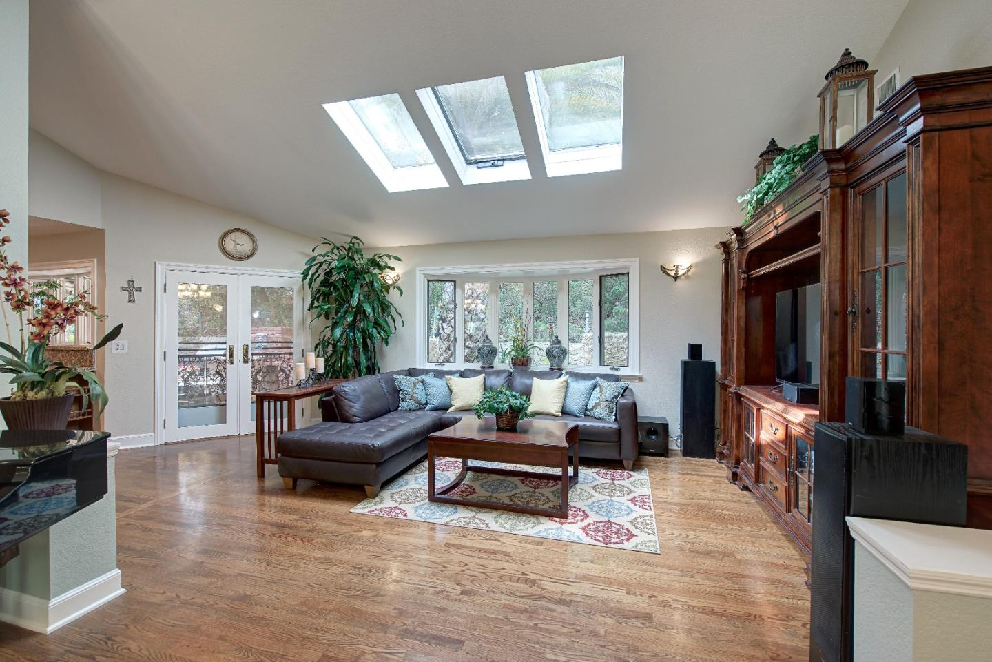 Additional photo for property listing at 15760 Eucalyptus Drive  Los Gatos, 加利福尼亞州 95030 美國