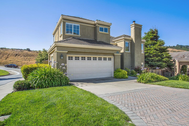 獨棟家庭住宅 為 出售 在 11 Parkgrove Drive South San Francisco, 加利福尼亞州 94080 美國