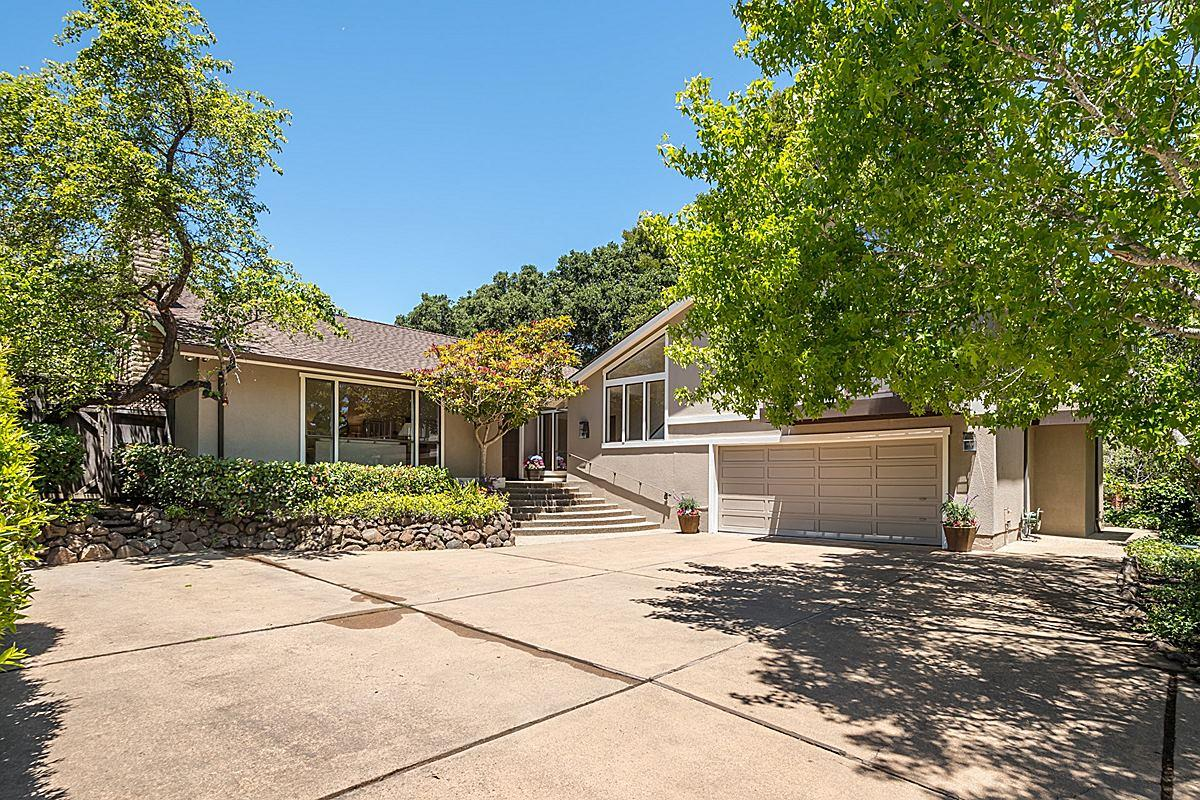 400 W Santa Inez Avenue, HILLSBOROUGH, CA 94010