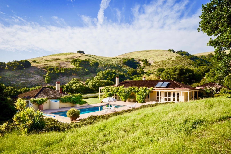 獨棟家庭住宅 為 出售 在 5 Oak Meadow Lane 5 Oak Meadow Lane Carmel Valley, 加利福尼亞州 93924 美國