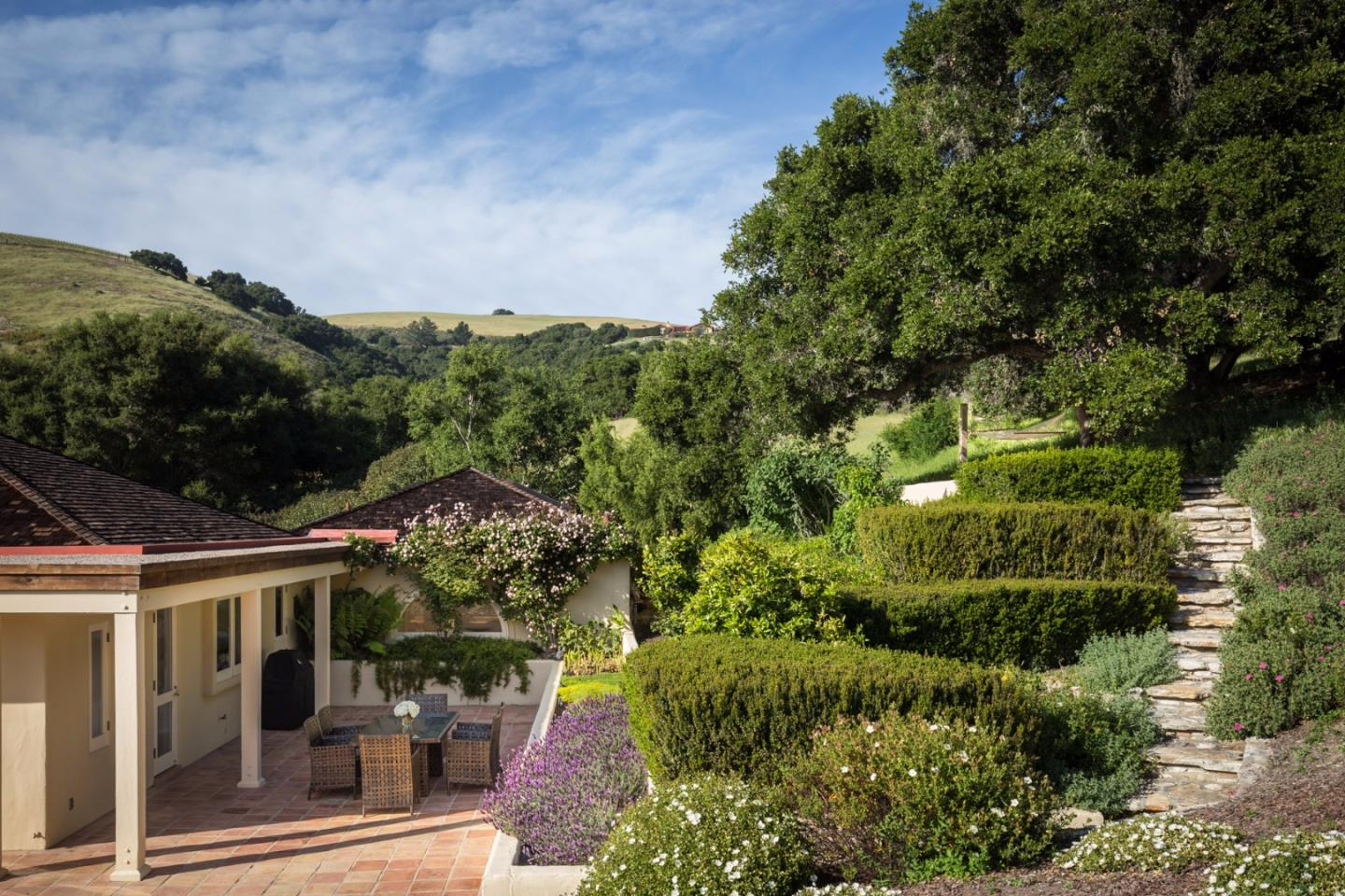 Additional photo for property listing at 5 Oak Meadow Lane  Carmel Valley, カリフォルニア 93924 アメリカ合衆国