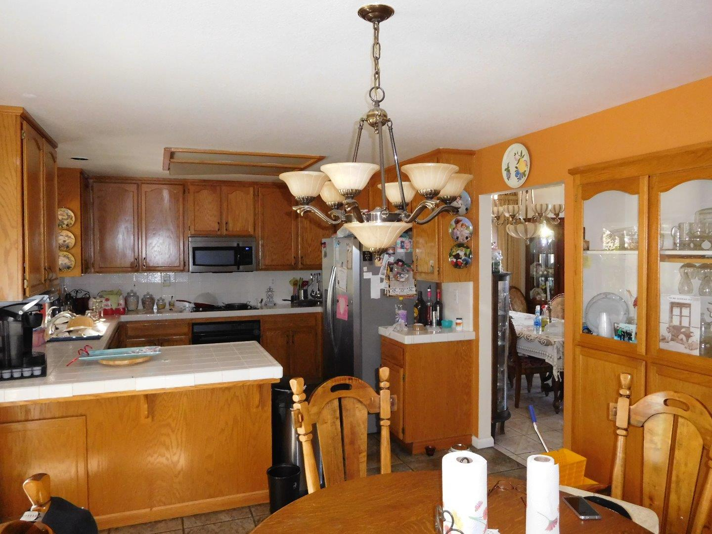 Additional photo for property listing at 1040 Hickory Court  Hollister, Californie 95023 États-Unis