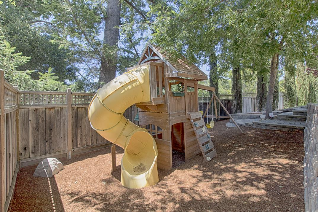 Additional photo for property listing at 116 Kelly Way  Scotts Valley, California 95066 United States