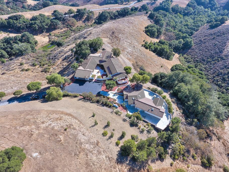 Additional photo for property listing at 5161 Canada Road  Gilroy, California 95020 United States