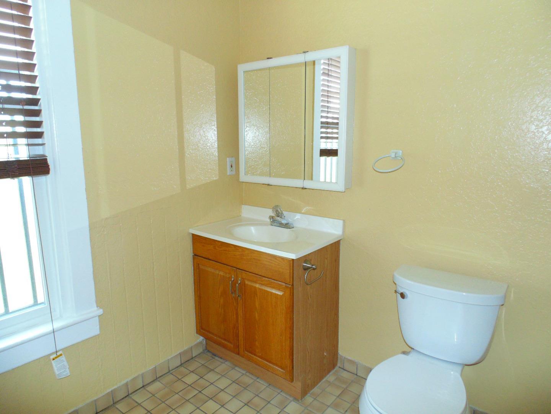 Additional photo for property listing at 1531-1533 Quesada Avenue  San Francisco, 加利福尼亞州 94124 美國