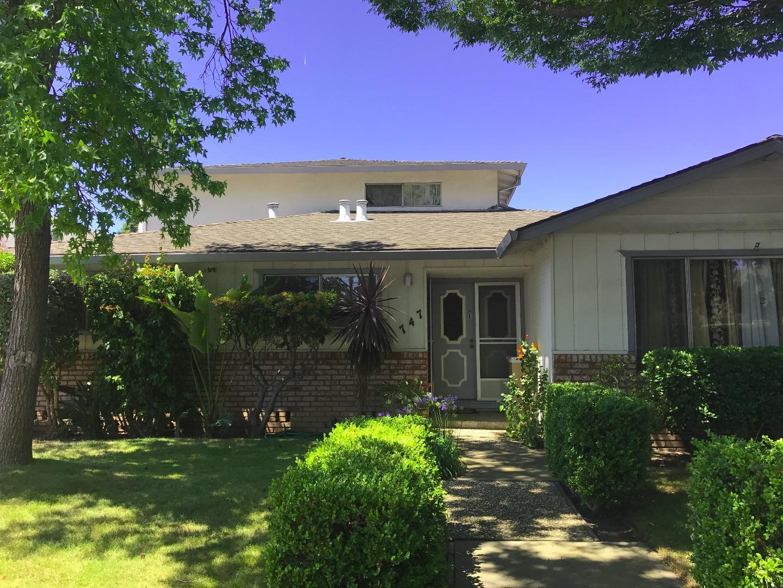متعددة للعائلات الرئيسية للـ Sale في 747 Calla Drive Sunnyvale, California 94086 United States