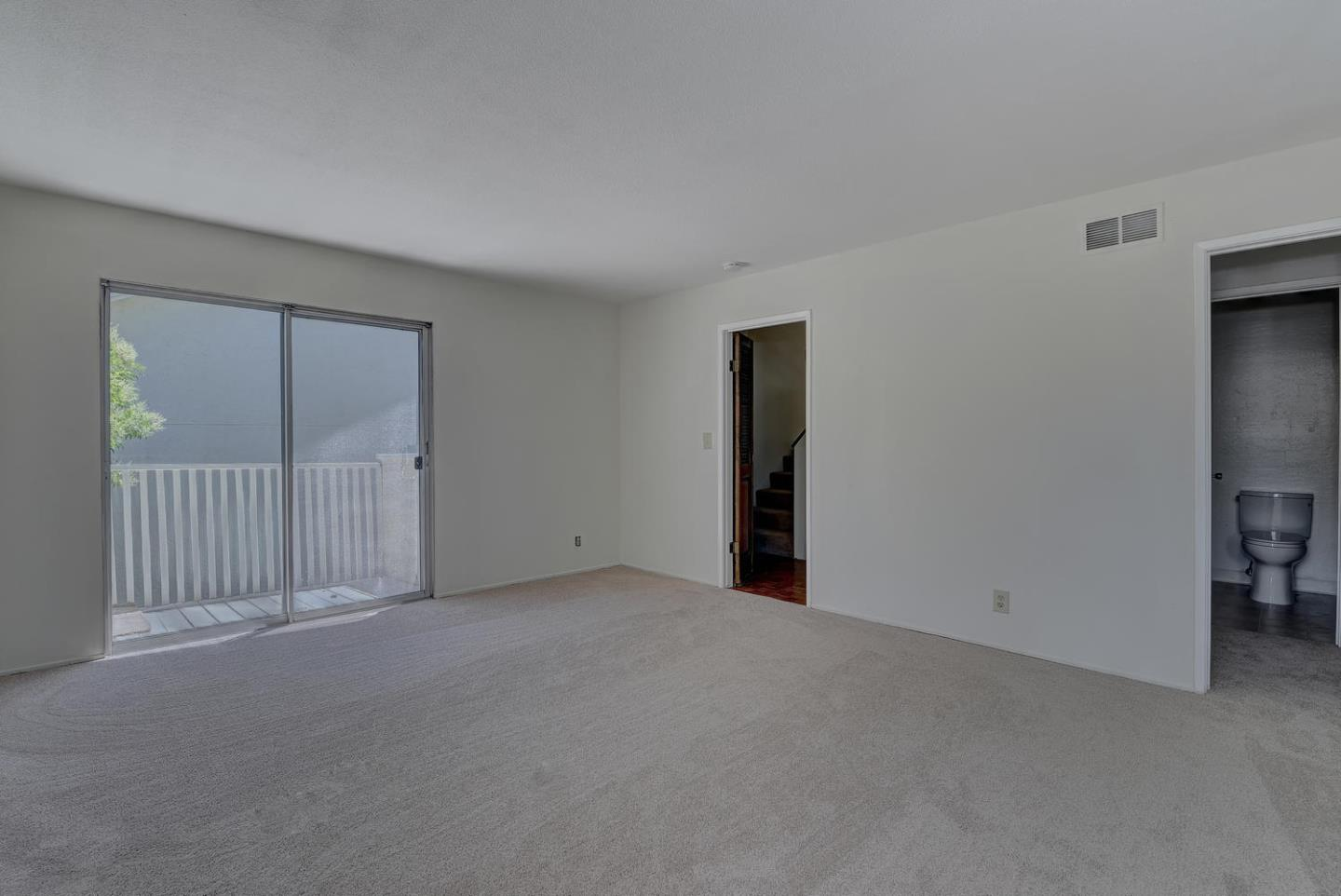 Additional photo for property listing at 10961 Northsky Square  Cupertino, カリフォルニア 95014 アメリカ合衆国