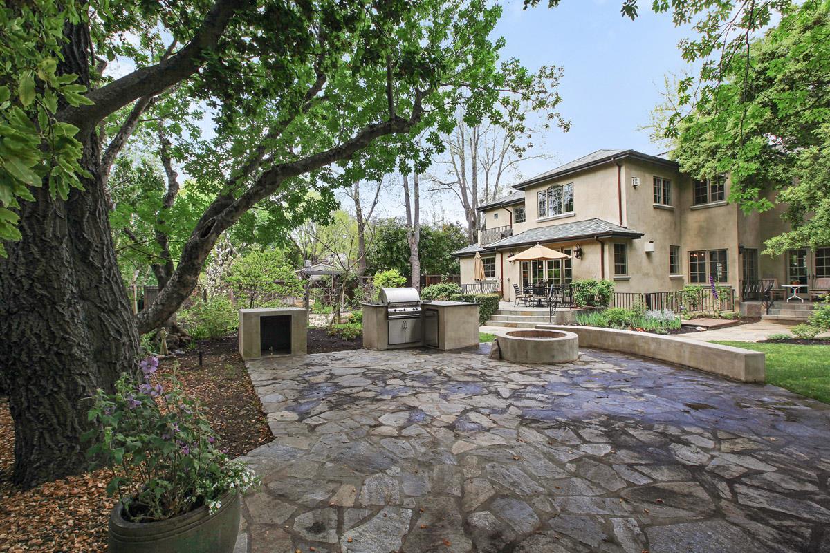 Casa Unifamiliar por un Venta en 1715 Bay Laurel Drive Menlo Park, California 94025 Estados Unidos