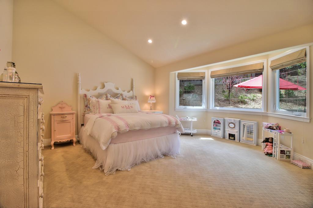 Additional photo for property listing at 15126 Quito Road  Saratoga, カリフォルニア 95070 アメリカ合衆国