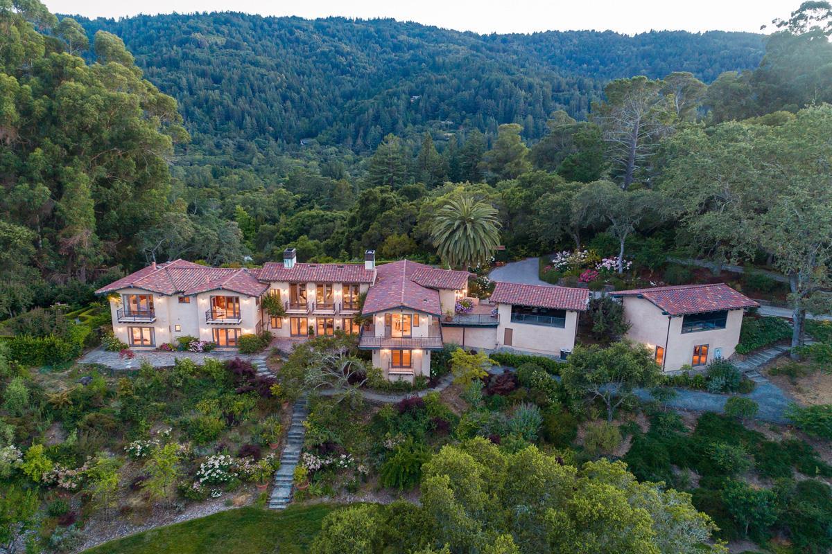 Maison unifamiliale pour l Vente à 307 Olive Hill Lane Woodside, Californie 94062 États-Unis