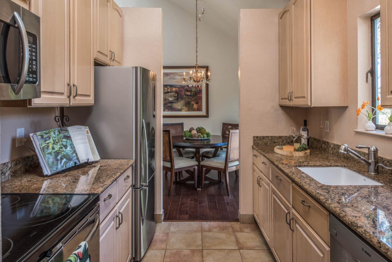 Appartement en copropriété pour l Vente à 4000 Rio Road 4000 Rio Road Carmel, Californie 93923 États-Unis