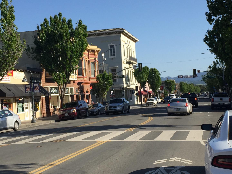 Commercial للـ Sale في 419 San Benito Hollister, California 95023 United States