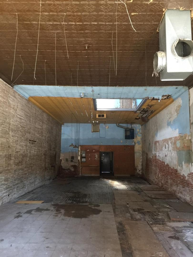 Additional photo for property listing at 419 San Benito  Hollister, California 95023 United States