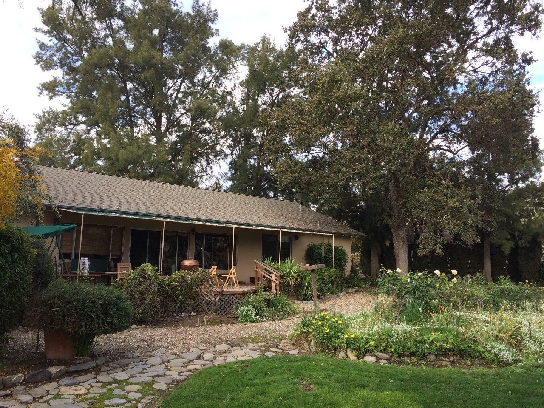 Частный односемейный дом для того Продажа на 6300 Alisal Street 6300 Alisal Street Pleasanton, Калифорния 94566 Соединенные Штаты