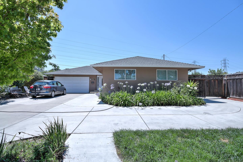 واحد منزل الأسرة للـ Sale في 1041 Robin Way Sunnyvale, California 94087 United States