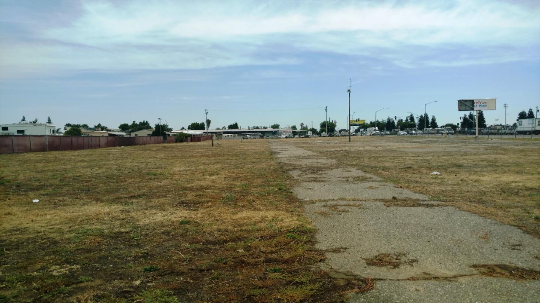 土地 為 出售 在 1901 E Yosemite Avenue Manteca, 加利福尼亞州 95336 美國