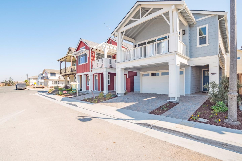 獨棟家庭住宅 為 出售 在 1864 Park Avenue Sand City, 加利福尼亞州 93955 美國