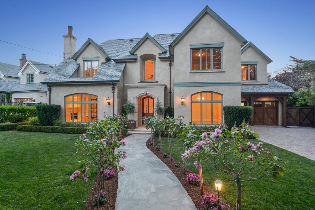 獨棟家庭住宅 為 出售 在 525 Edgewood Road San Mateo, 加利福尼亞州 94402 美國