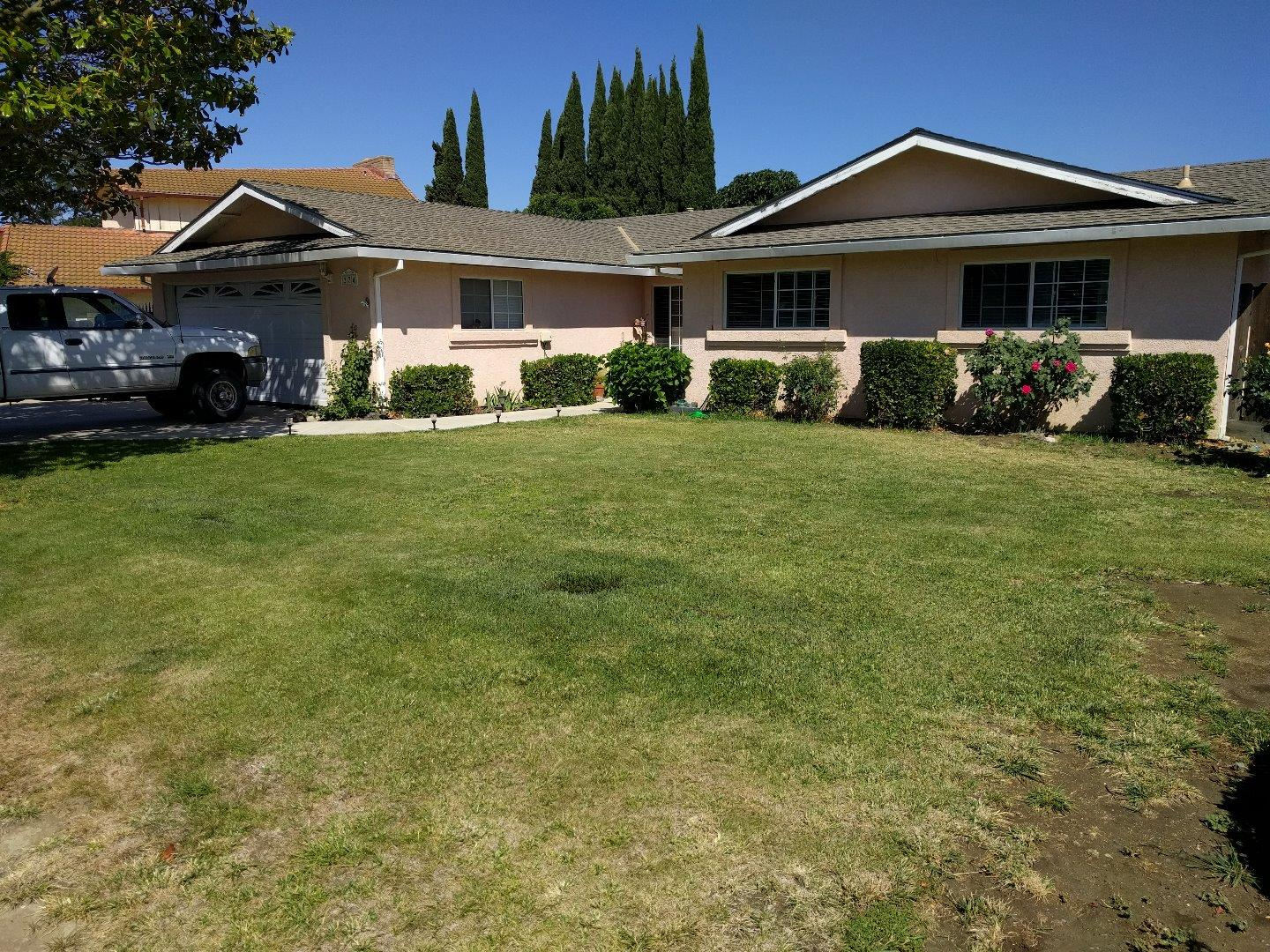 Single Family Home for Sale at 274 Rio Vista Drive King City, California 93930 United States