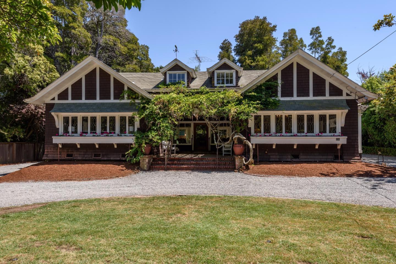 獨棟家庭住宅 為 出售 在 131 Sycamore Avenue San Mateo, 加利福尼亞州 94402 美國
