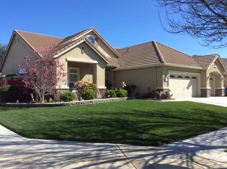 Частный односемейный дом для того Продажа на 1680 Poplar Court Los Banos, Калифорния 93635 Соединенные Штаты