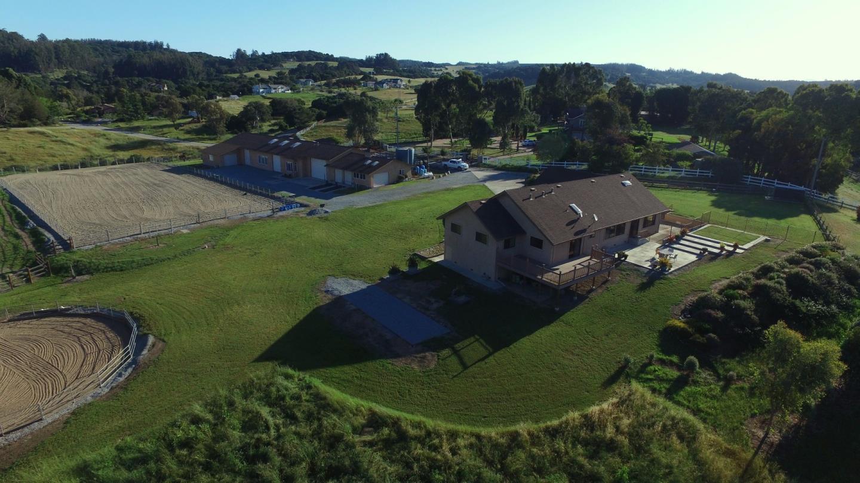 Maison unifamiliale pour l Vente à 68 Ricardo Court Aromas, Californie 95004 États-Unis