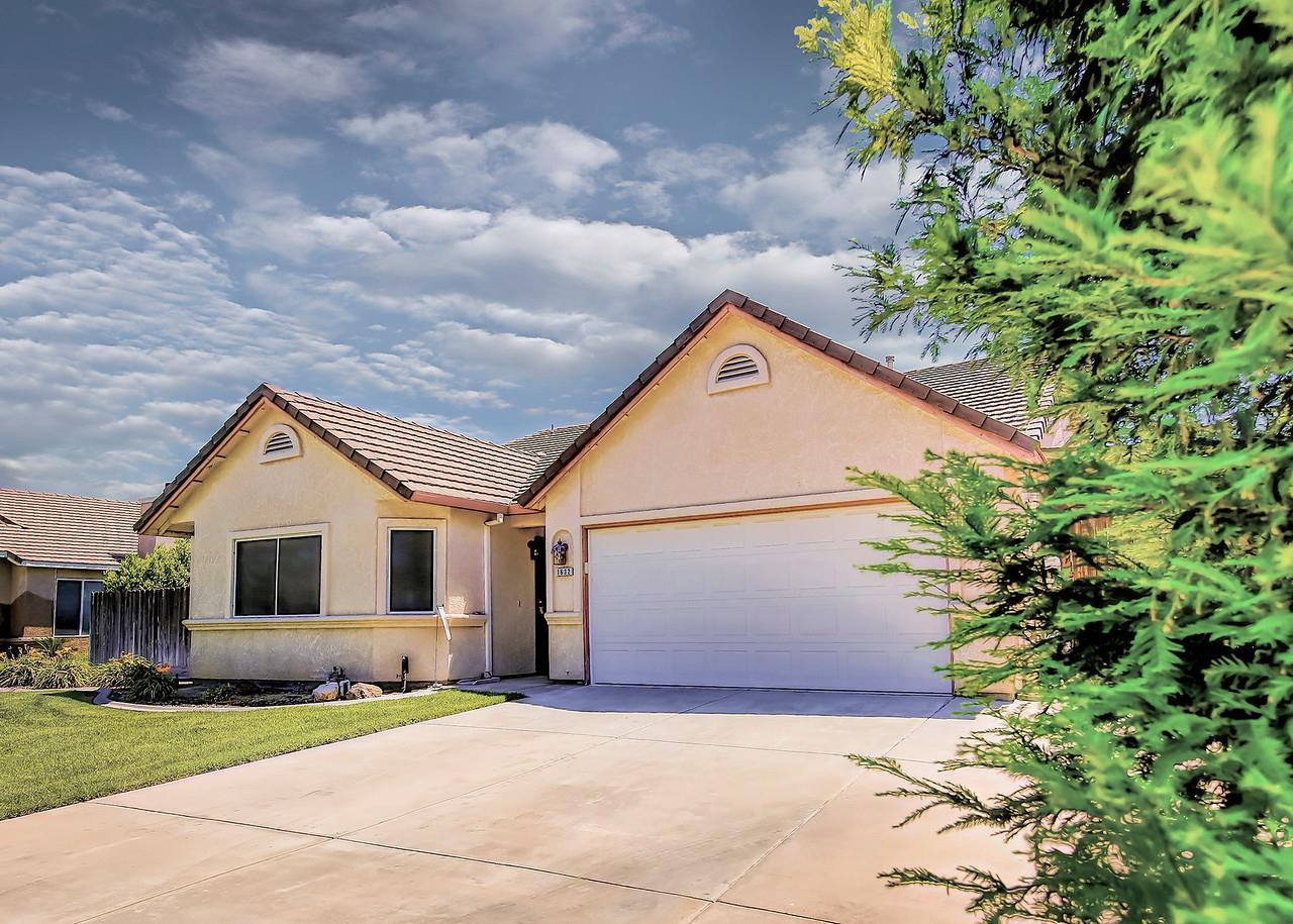 Single Family Home for Sale at 1632 Thomas Taylor Drive Hughson, California 95326 United States