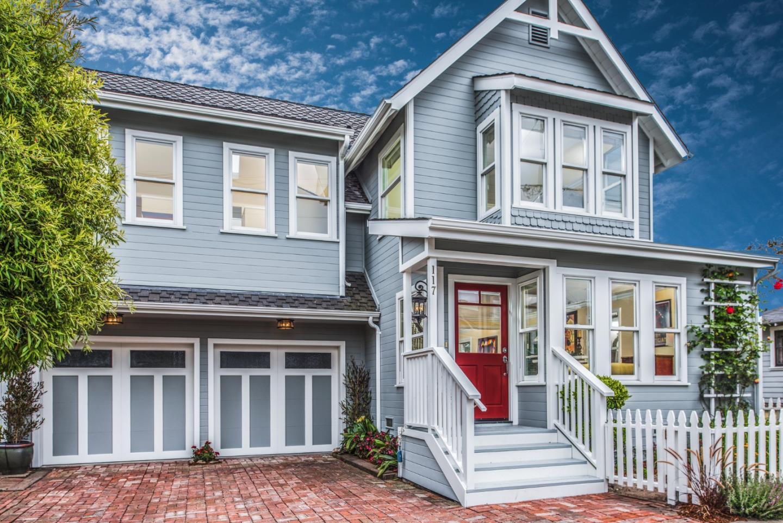 Einfamilienhaus für Verkauf beim 117 17th Street Pacific Grove, Kalifornien 93950 Vereinigte Staaten