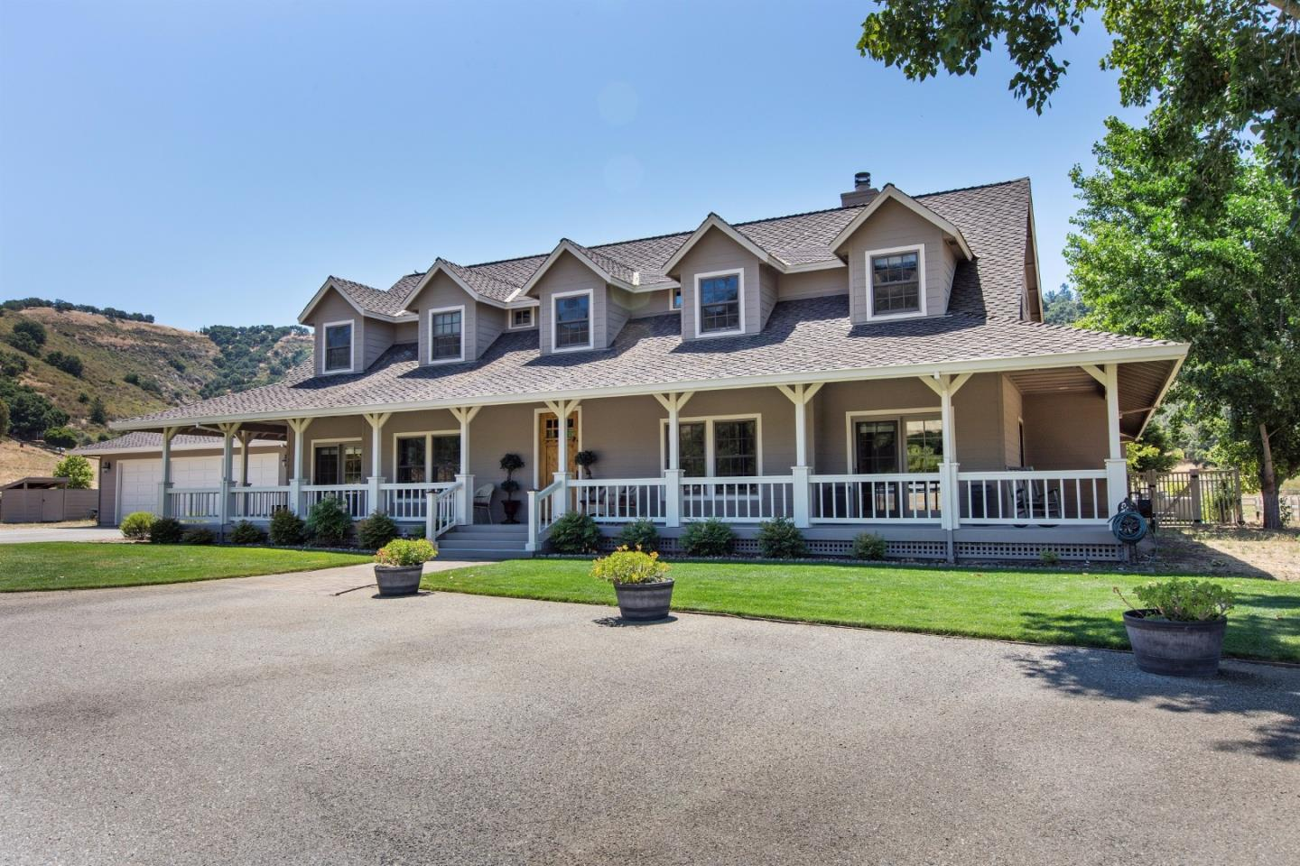 Single Family Home for Sale at 482 Corral De Tierra Road Salinas, California 93908 United States