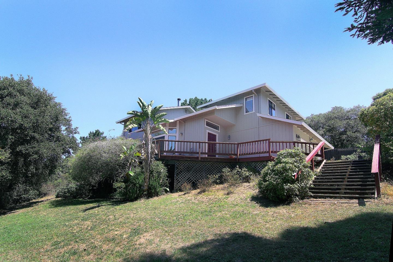 واحد منزل الأسرة للـ Sale في 1702 Covenant Lane 1702 Covenant Lane Royal Oaks, California 95076 United States