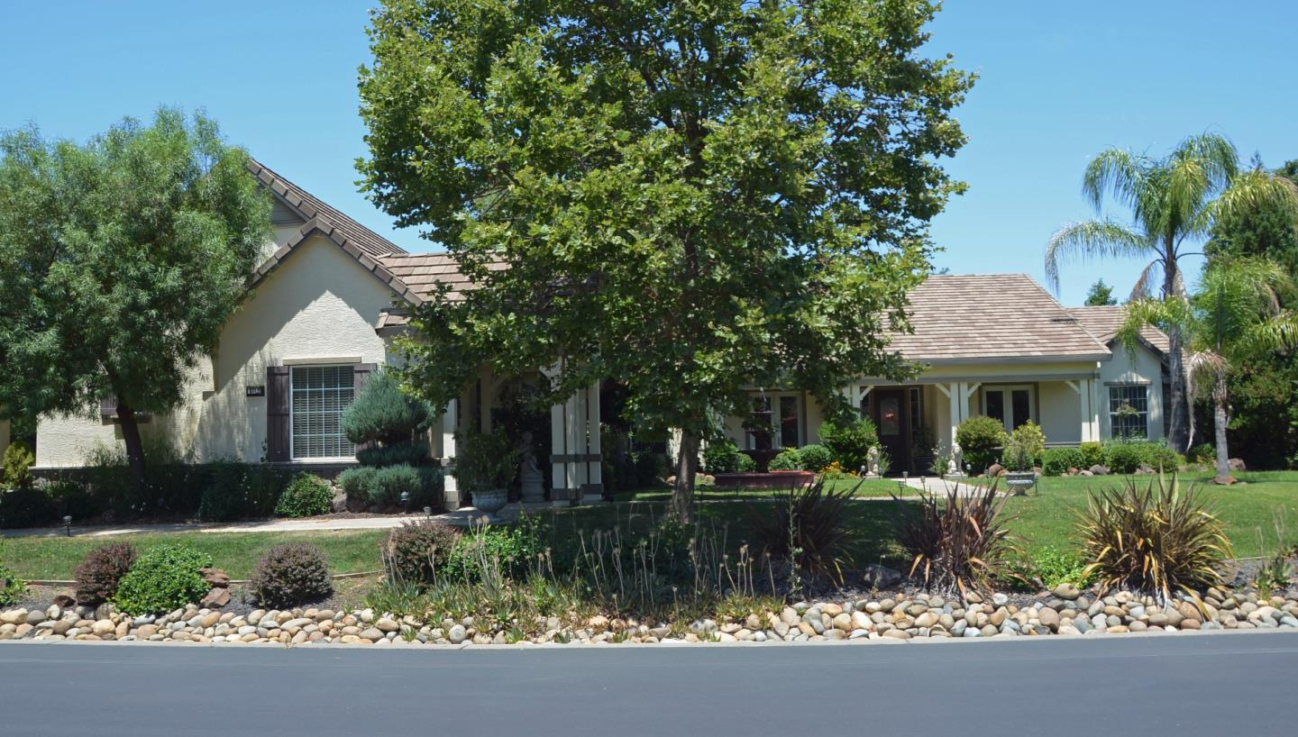 Single Family Home for Sale at 9715 Silvertrail Lane Elk Grove, California 95624 United States