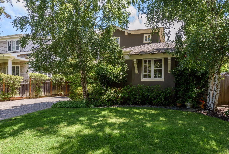 Maison unifamiliale pour l Vente à 1547 Drake Avenue Burlingame, Californie 94010 États-Unis