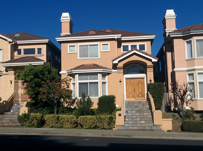 واحد منزل الأسرة للـ Sale في 191 Eastmoor Avenue Daly City, California 94015 United States