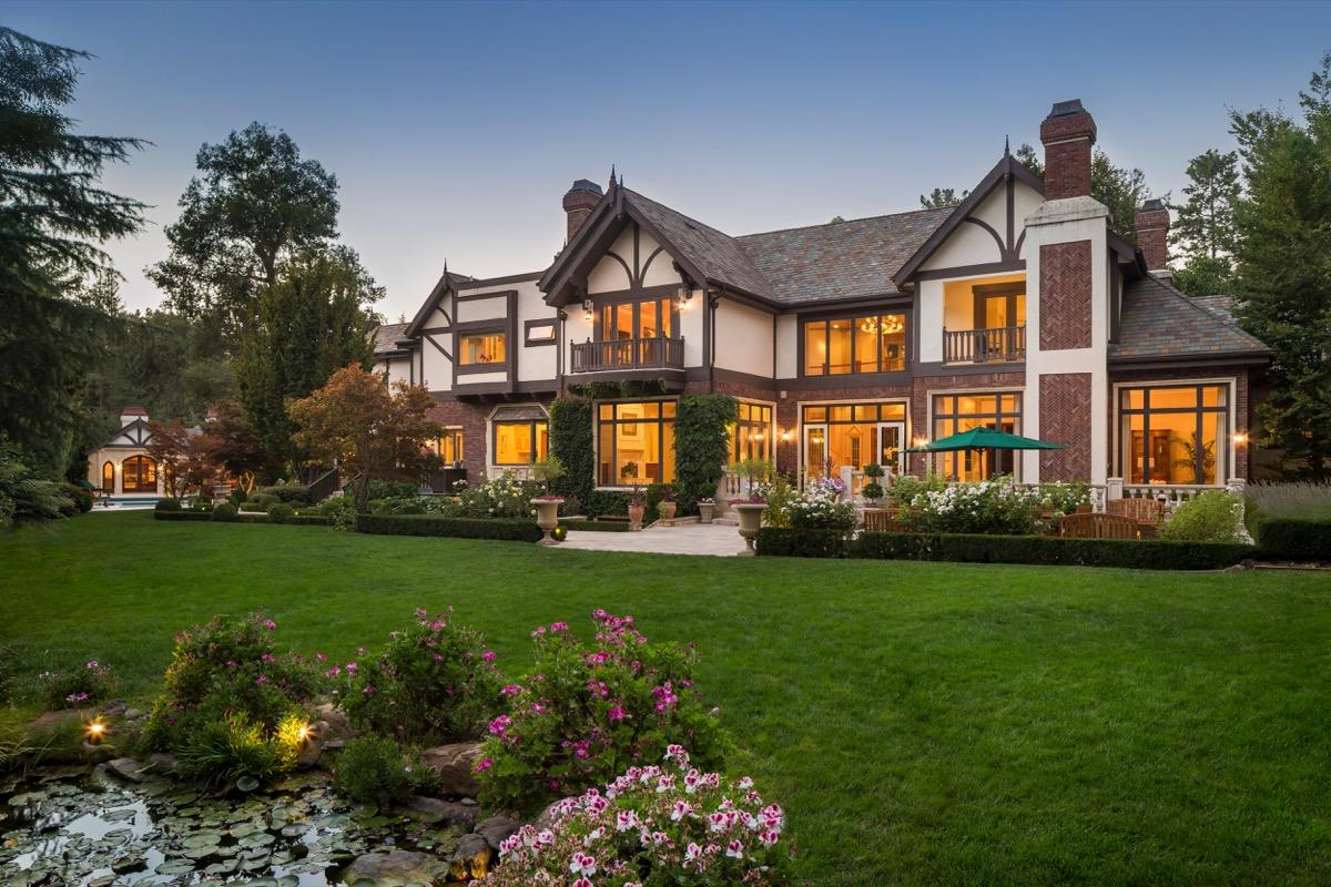 獨棟家庭住宅 為 出售 在 1 Ridge View Drive Atherton, 加利福尼亞州 94027 美國