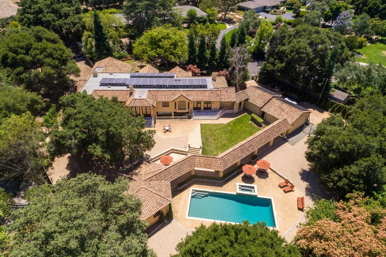 Частный односемейный дом для того Продажа на 19581 Juna Lane Saratoga, Калифорния 95070 Соединенные Штаты