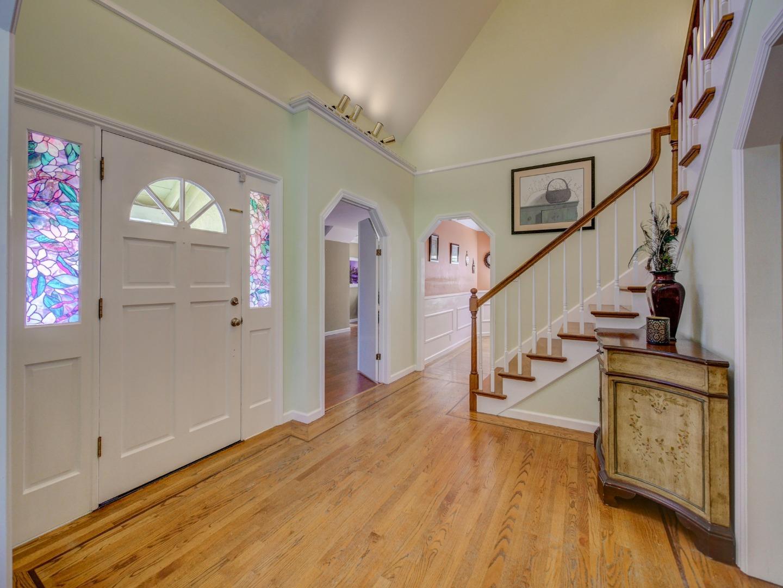 Частный односемейный дом для того Продажа на 370 Collado Drive Scotts Valley, Калифорния 95066 Соединенные Штаты