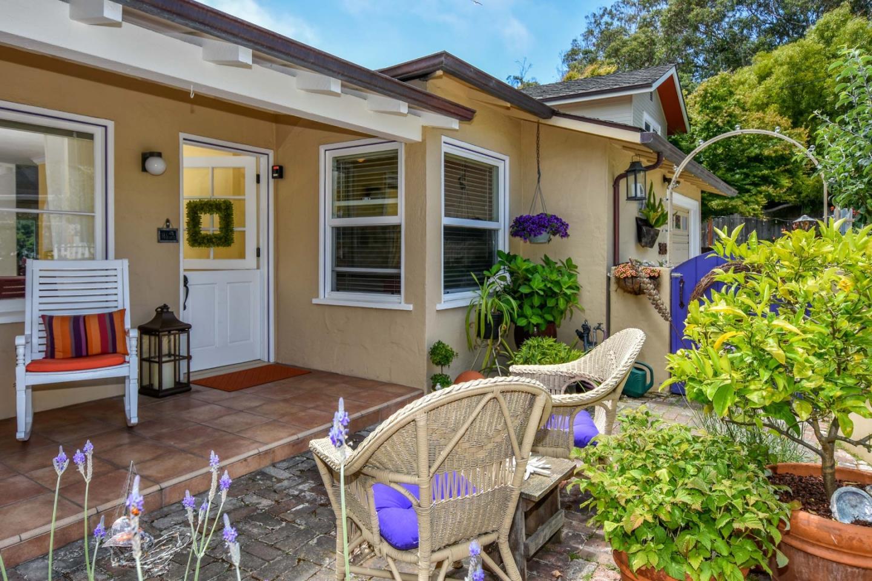 Многосемейный дом для того Продажа на 303 Fanmar Way Capitola, Калифорния 95010 Соединенные Штаты