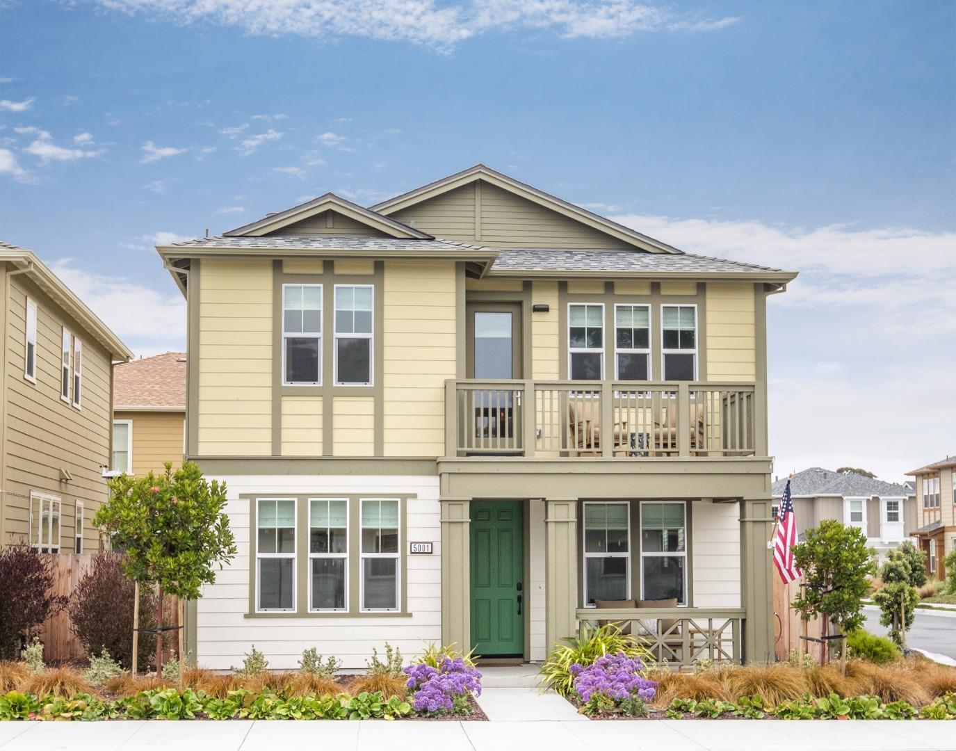 獨棟家庭住宅 為 出售 在 5001 3rd Avenue Marina, 加利福尼亞州 93933 美國