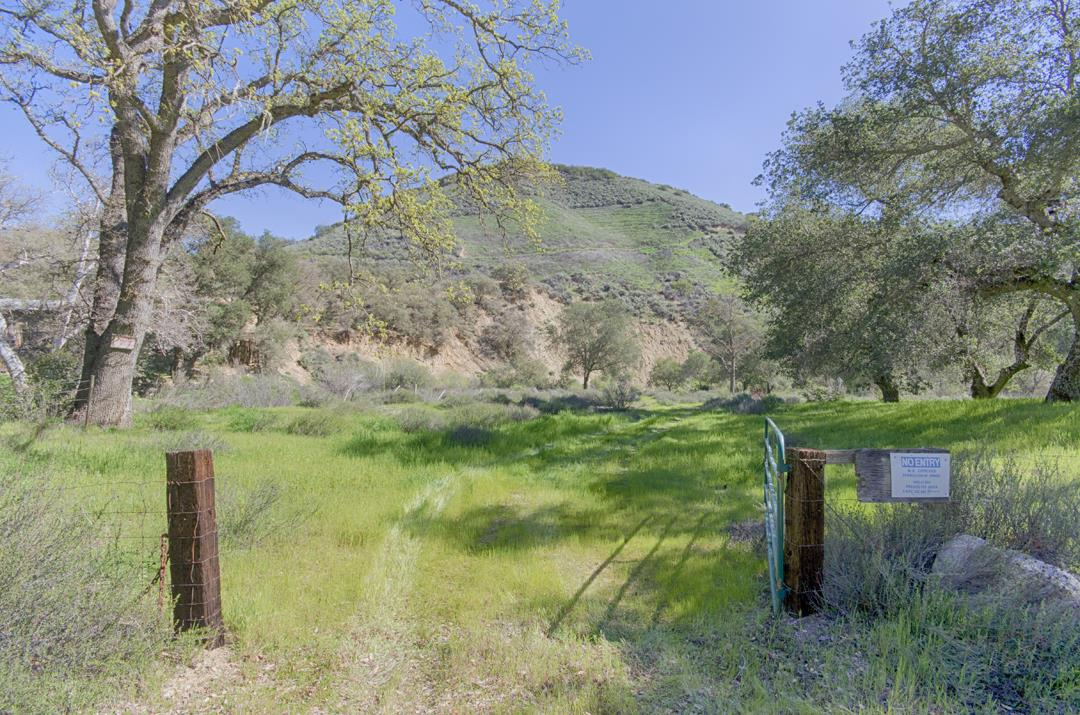 43305 E Carmel Valley Road, GREENFIELD, CA 93927