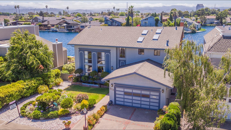 Maison unifamiliale pour l Vente à 323 Dolphin Isle Foster City, Californie 94404 États-Unis