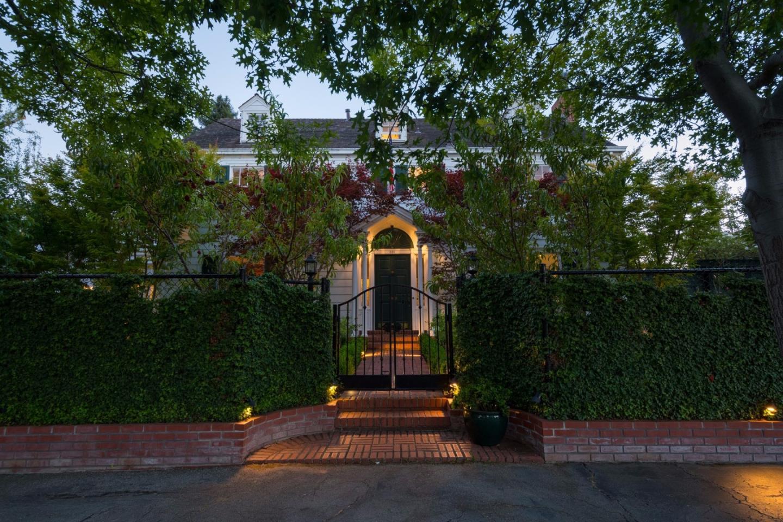 獨棟家庭住宅 為 出售 在 829 Crescent Avenue San Mateo, 加利福尼亞州 94401 美國