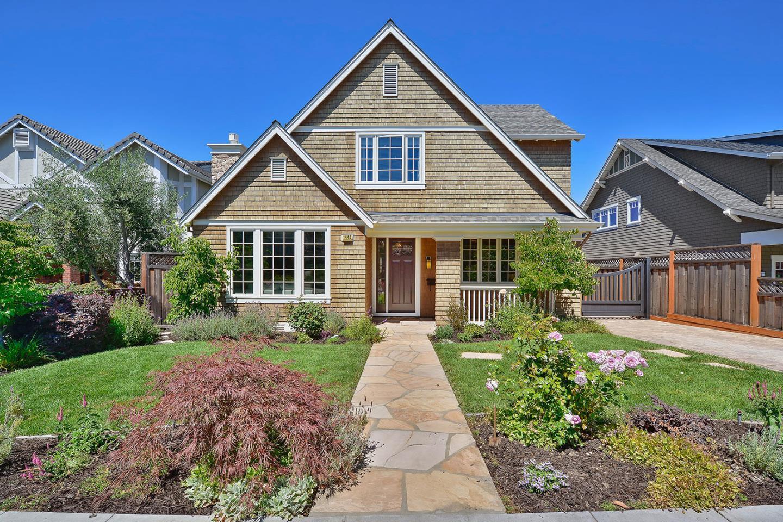 Maison unifamiliale pour l Vente à 1440 Cabrillo Avenue Burlingame, Californie 94010 États-Unis