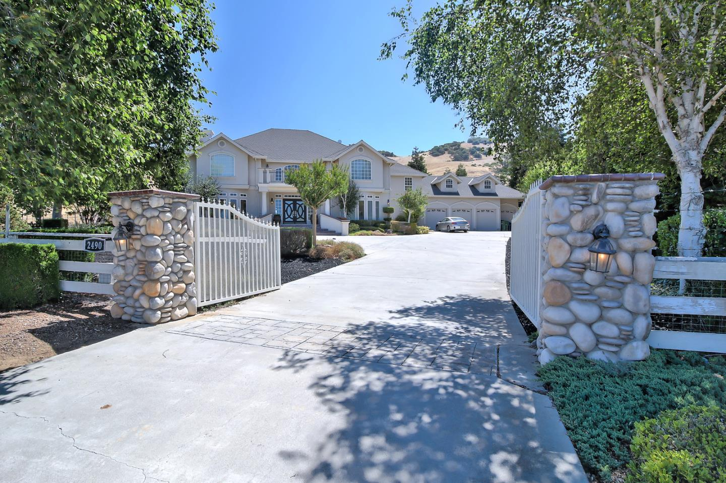 Single Family Home for Sale at 2490 Howell Lane Gilroy, California 95020 United States
