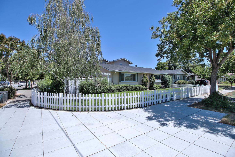Einfamilienhaus für Verkauf beim 785 & 787 W Hacienda Avenue Campbell, Kalifornien 95008 Vereinigte Staaten