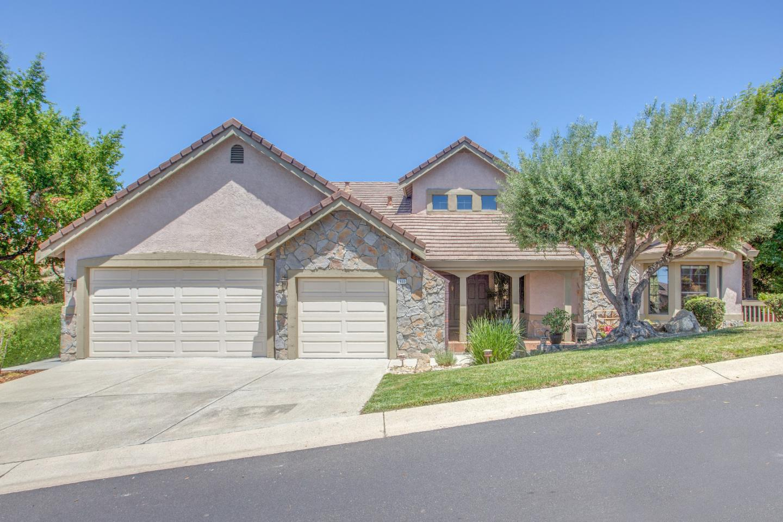 واحد منزل الأسرة للـ Sale في 1833 Pebble Beach Court Milpitas, California 95035 United States