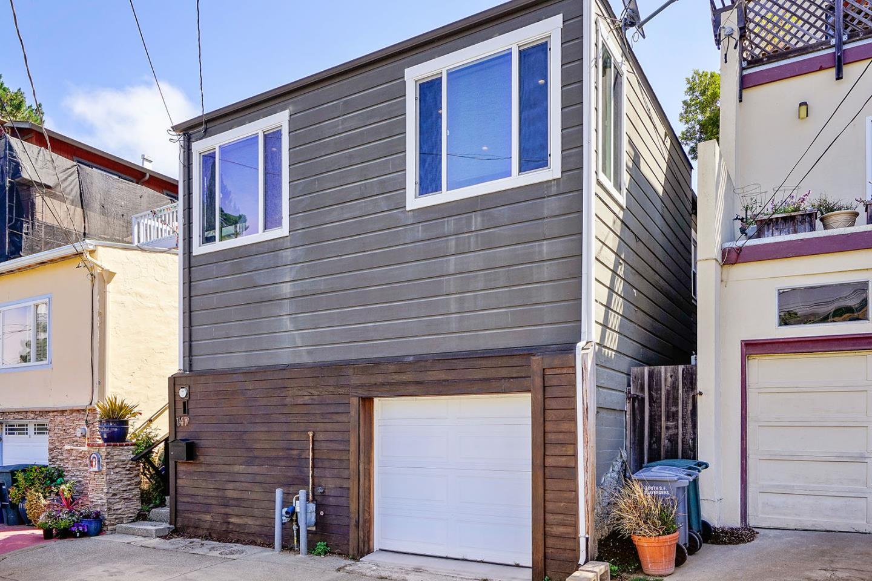 Additional photo for property listing at 147 Santa Clara Street  Brisbane, California 94005 United States