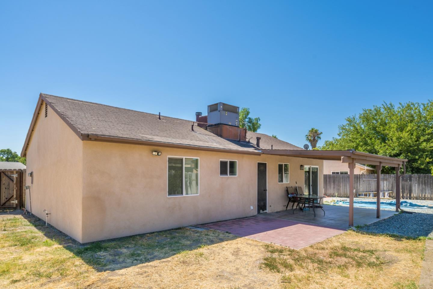 Additional photo for property listing at 3825 Missionwood Court  Ceres, California 95307 United States