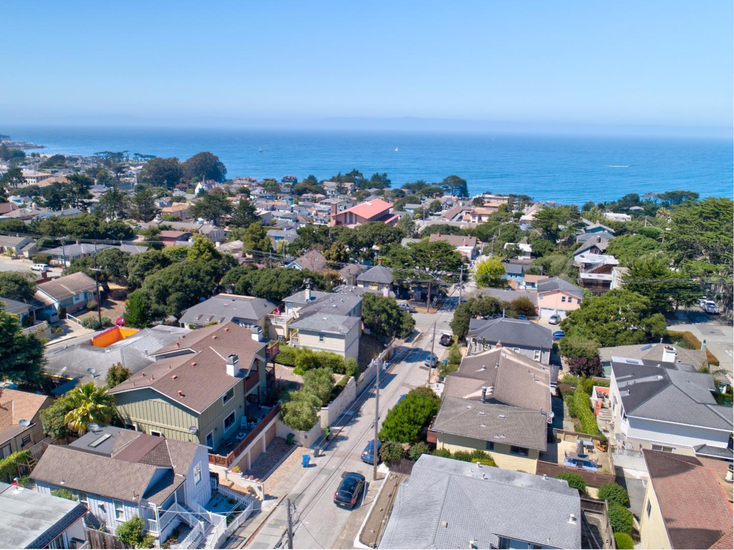 Additional photo for property listing at 307 8th Street  Pacific Grove, California 93950 Estados Unidos