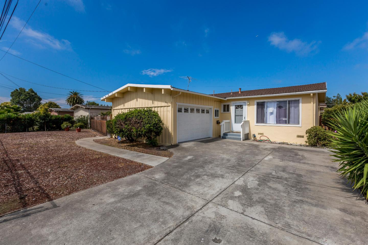Single Family Home for Sale at 475 Larkspur Drive East Palo Alto, California 94303 United States