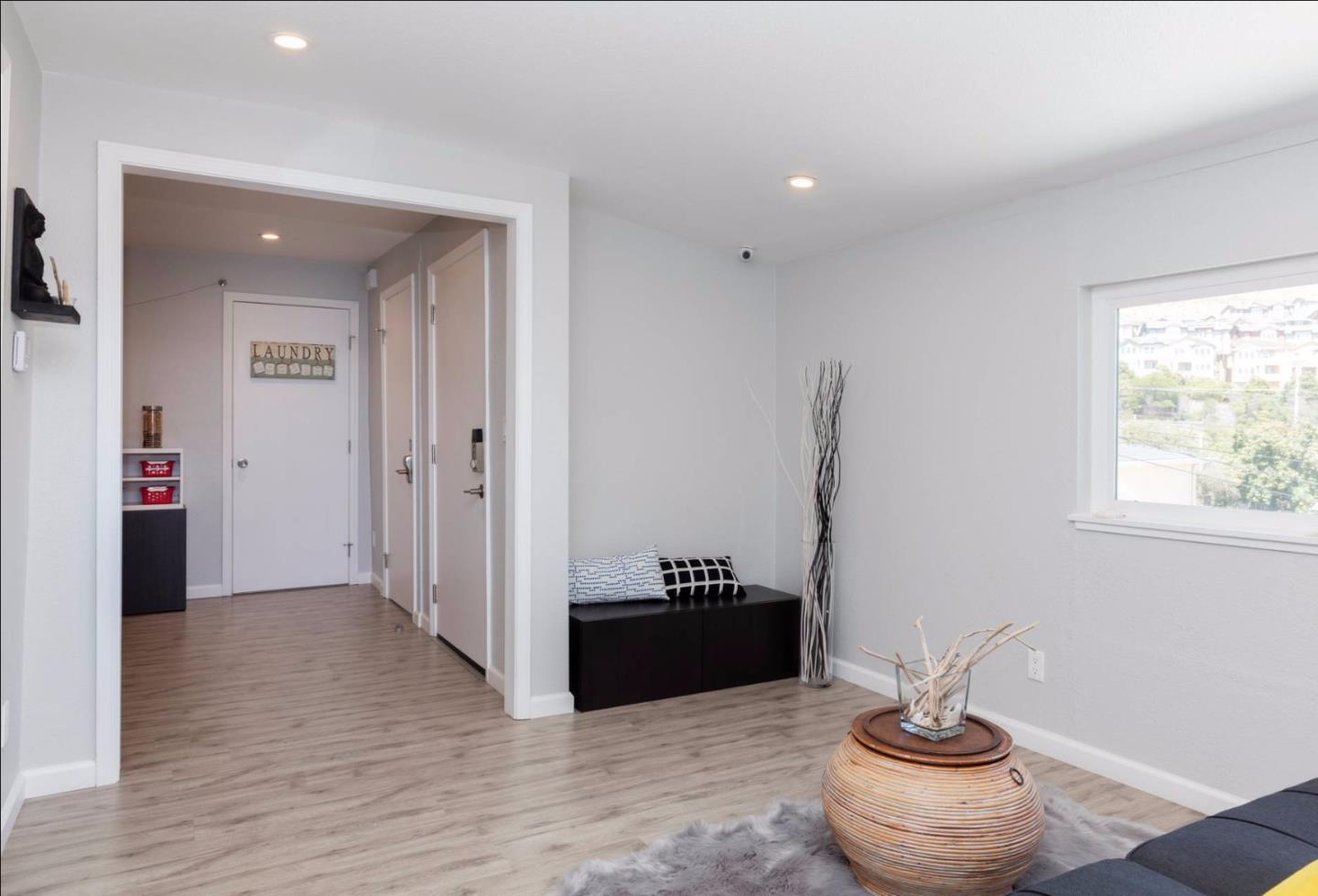 Additional photo for property listing at 301 Chapman Avenue  South San Francisco, California 94080 United States